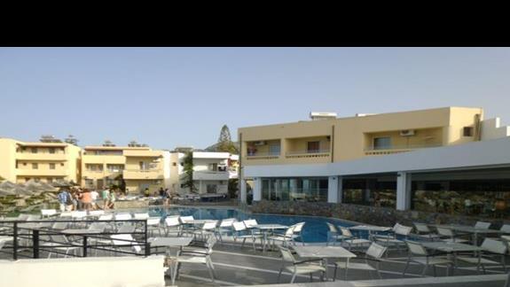 widok na basen w hotelu Sissi bay