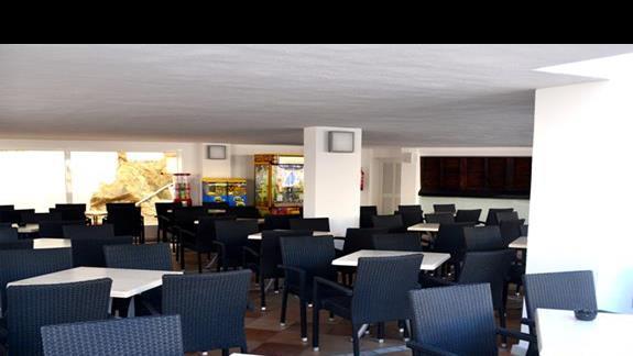 All inclusive bar znajdujący się obok basenu ;) hotel Simar