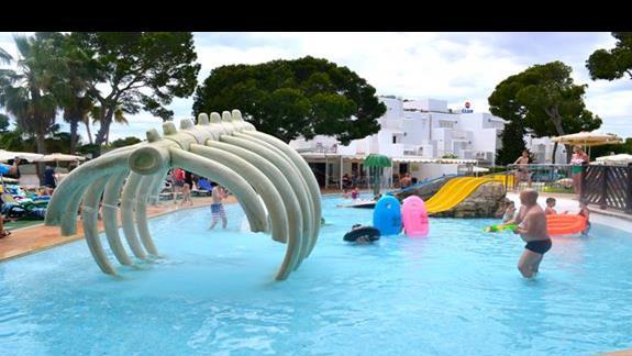 Atrakcje wodne w hotelu Calimera Es Talaial