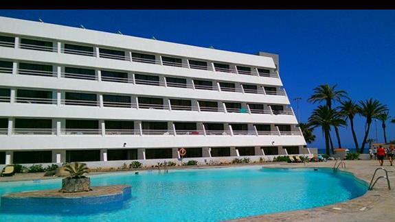 Golf Trinidad basen relaksacyjny/budynek hotelu