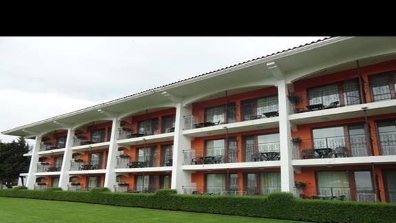 Hotel Hrizantem - widok od strony basenu