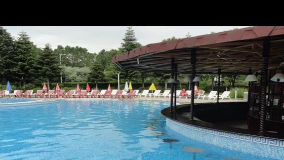 Hotel Hrizantem - bar przy basenie