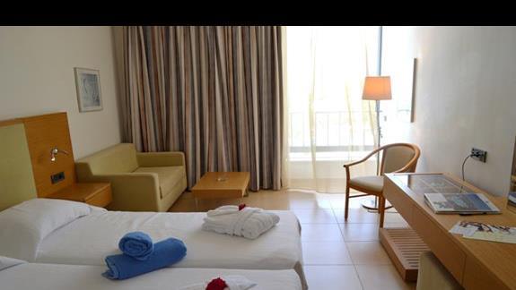 pokój standardowy w hotelu Caravia Beach & Bungalows