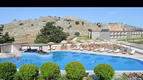 basen główny w hotelu Anavadia