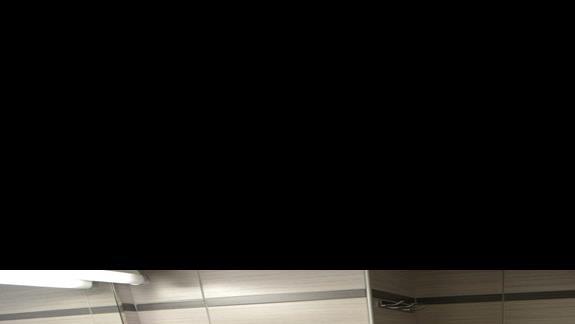 łazienka w pokoju standardowym w hotelu Sunrise