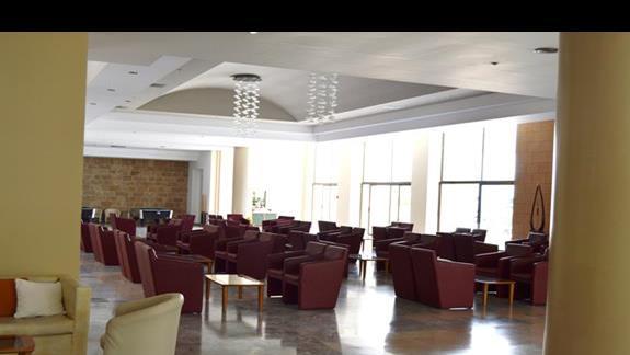 lobby w hotelu Doreta Beach