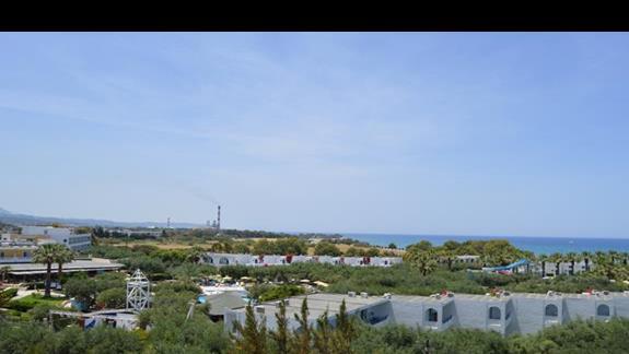 widok z pokoju standardowego w hotelu Doreta Beach
