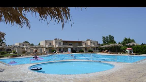 basen w hotelu Roselands