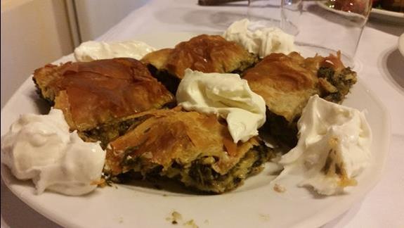obiad w Xenonasie - ciastka z pokrzywa
