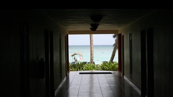 Widok z korytarza w naszym bloku