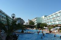 Hotel Kotva - Słoneczny Brzeg - baseny rekreacyjne