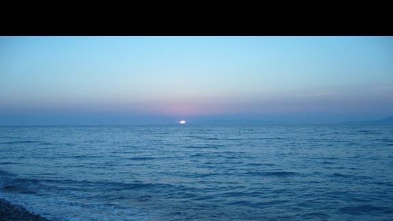 Zachód słońca nad morzem