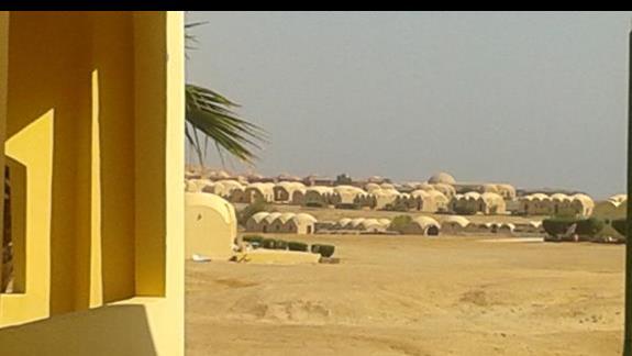 widok na domki lokalnej spolacznosci