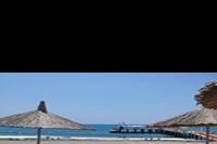 Hotel Quattro Beach Spa - Piękna piaszczysta plaża, leżaki i parasole nie tylko na plaży ale też na pomoście