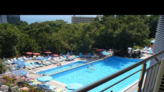 baseny przy hotelu