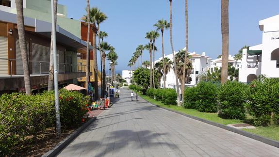Coś dla plażowiczów - po wyjściu z hotelu dwa razy w lewo i zaraz wyłoni się ocean.