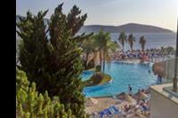 Hotel Bodrum Holiday Resort - widok na basen glówny