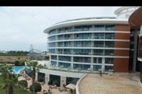 Hotel Baia Lara - widok na budynek