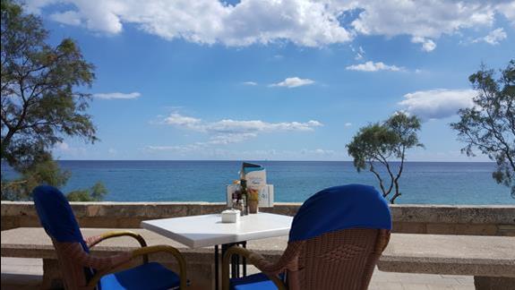Widok na morze z restauracji BIBABO