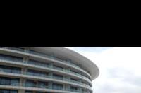 Hotel Baia Lara - taras między skrzydłami budynku głównego