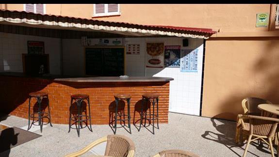 Bar w hotelu Costa Mediterraneo