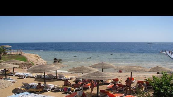 Plaża bezpośrednio przy hotelu.