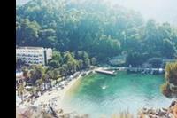 Hotel Turunc - Widok z góry, znajdującej się na plaży, znajduje się na niej flaga Turjcji i możemy z niej podziwiać piękno  hotelu i morze :)