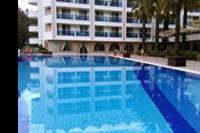 Hotel Turunc - Jeden z basenów, woda bardzo czyściutka :) Oczywiście wszędzie wokół  są piękne palmy :)