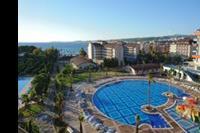 Hotel Lonicera World - Widok na jeden z 7 basenów