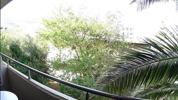 widok z balkonu pokoju standard h. Minos