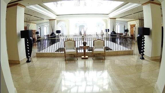 lobby h. Mitsis Laguna
