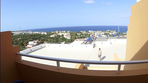 widok z balkonu p. standard z wid. na morze w h. Belvedere Imperial