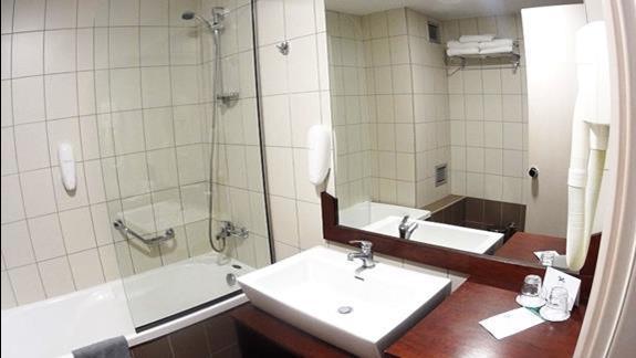 łazienka w p. standard w h. Blue Marine Resort &SPA