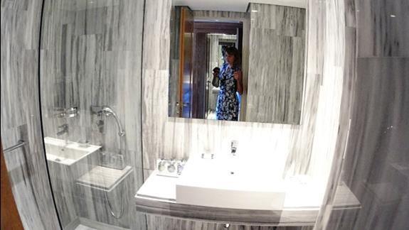 łazienka p. standard w bud. głównym Aquila Rithymna Beach