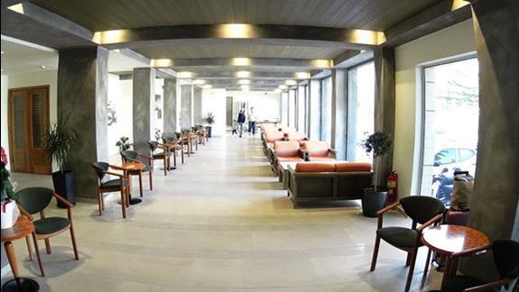 lobby w h. Minos
