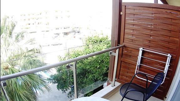 widok z balkonu pokoju superior  h. Minos