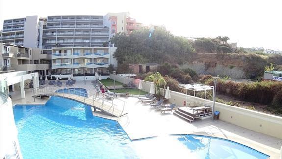 basen w hotelu Iolida Beach