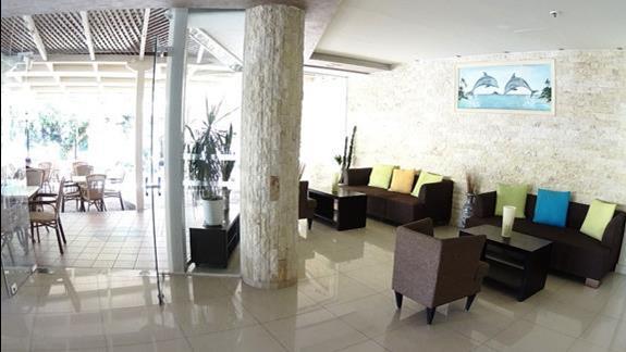 lobby  w h. St. Constantin