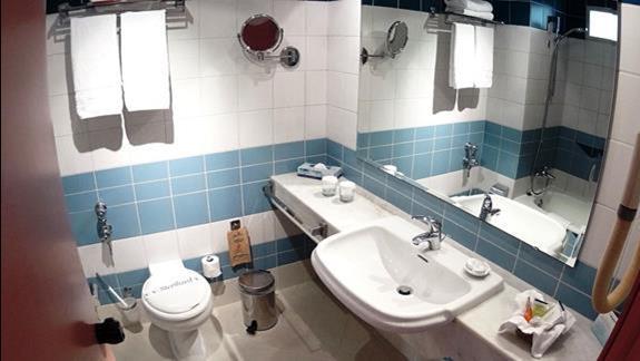 łazienka  p. standard w h.Creta Royal