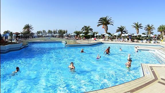 basen  w h. Creta Star