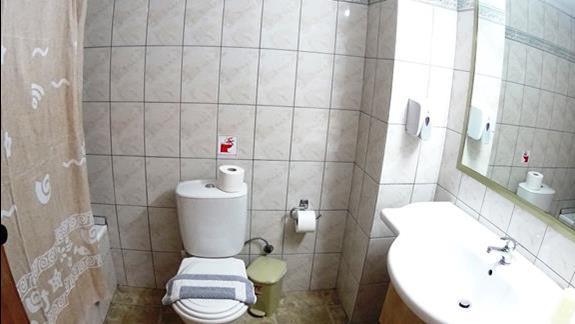 łazienka w p. standard w h. Gouves Waterpark Holiday Resort
