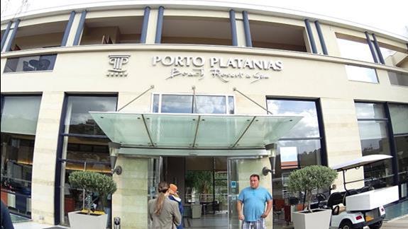 front budynku h. Porto Platanias Beach