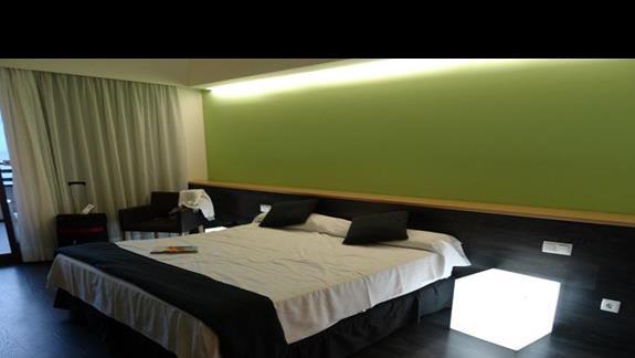 Pokój w hotelu Occidental