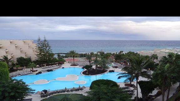 Widok z pokoju hotelu Occidental