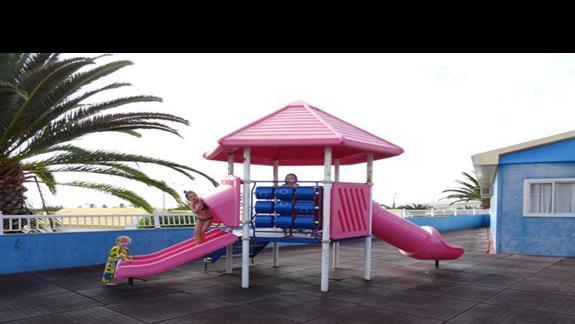 Plac zabaw w hotelu Club Caleta Dorada