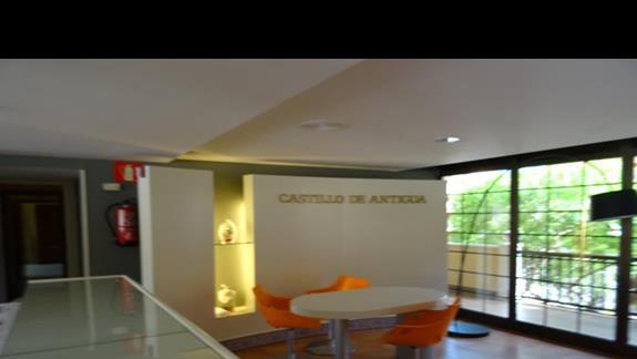 Lobby hotelu San Jorge Antigua
