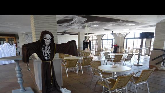 Restauracja główna gotowa na HOlloween hotel San Jorge Antigua