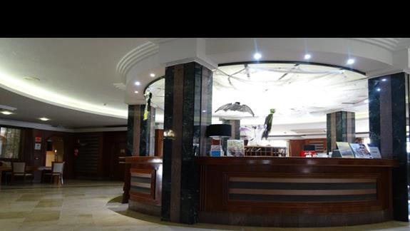 Recepcja hotelu Elba Lucia