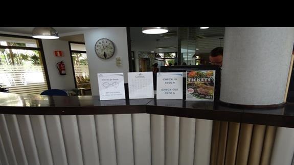 Recepcja w hotelu Costa Caleta