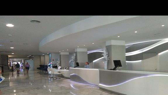 Recepcja hotelu Hovima Costa Adeje
